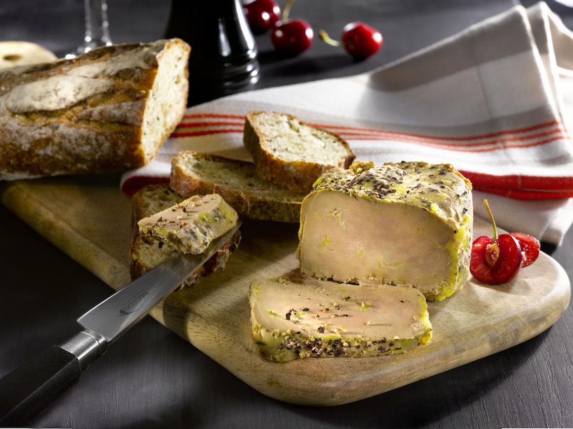 Un foie gras de canard original savoir vivre la fran aise - Cuisiner un canard entier ...